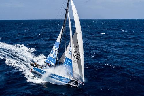 Barco do Turn the Tide on Plastic / Foto: James Blake/Volvo Ocean Race