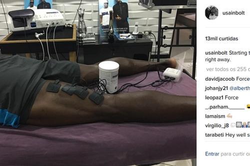 c184c93bb Bolt iniciou tratamento para estiramento da coxa   Foto  Reprodução    Instagram