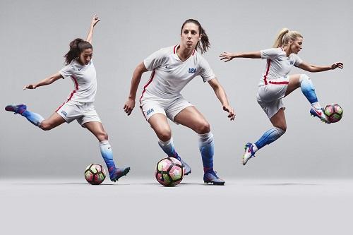 6481296683 Novo uniforme oficial da equipe feminina de futebol dos EUA celebra o  ilustre legado do time